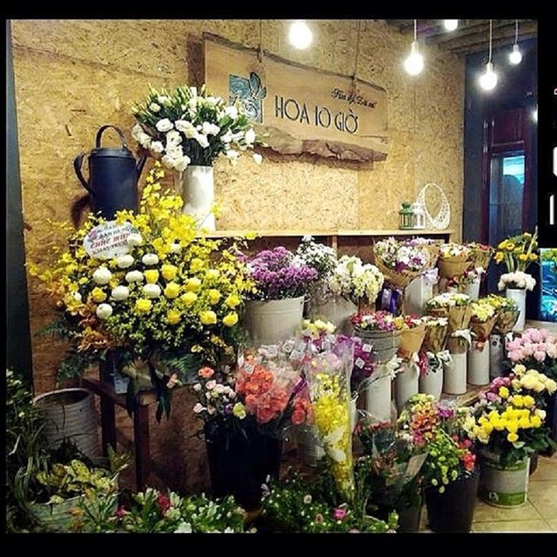Tuyệt chiêu trang trí quán bằng hoa ảnh 6