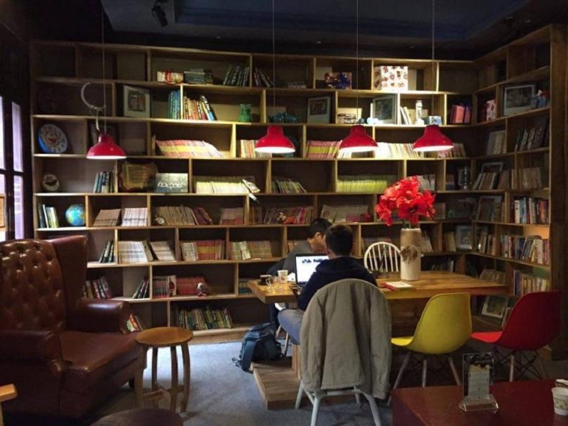 Phòng đọc sách trong tiệm