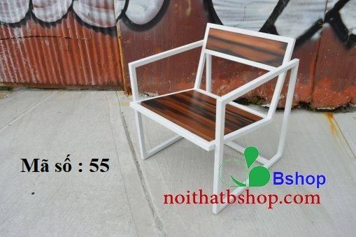 Ghế gỗ ngồi khung sơn trắng
