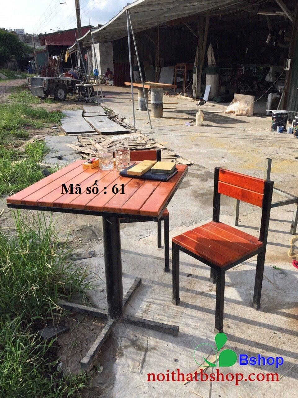 Bàn ghế ghép tấm gỗ