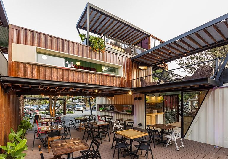 mẫu trang trí quán cafe container đẹp 2
