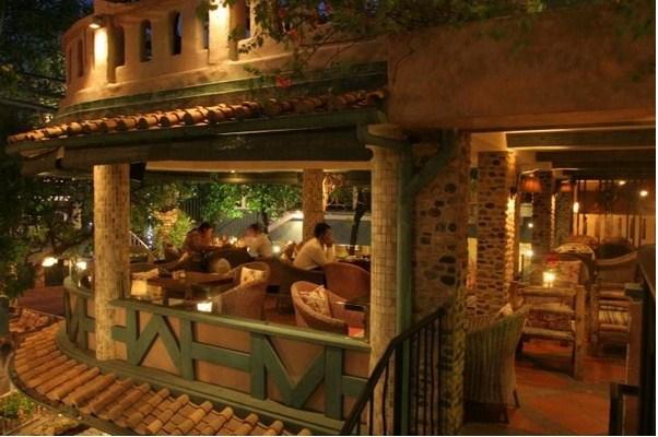 quán cafe phong cách địa trung hải 2